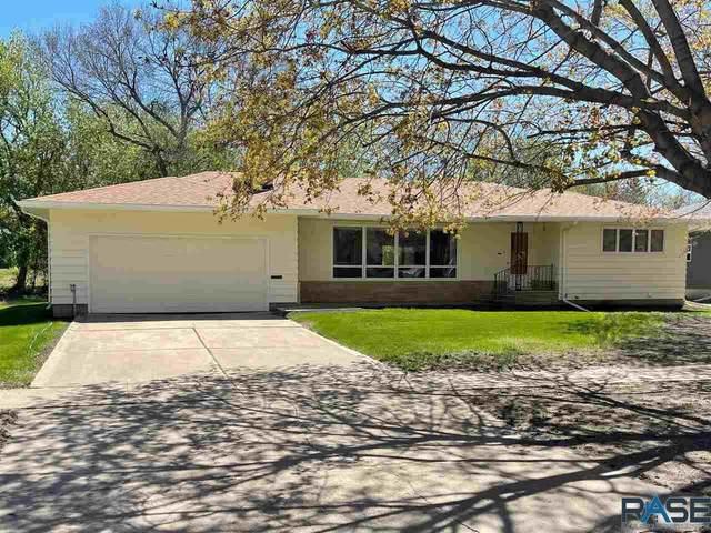 500 N Prairie Ave, Madison, SD 57042 (MLS #22104000) :: Tyler Goff Group