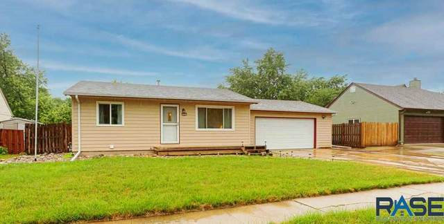 5304 S Landsdown Dr, Sioux Falls, SD 57106 (MLS #22104048) :: Tyler Goff Group