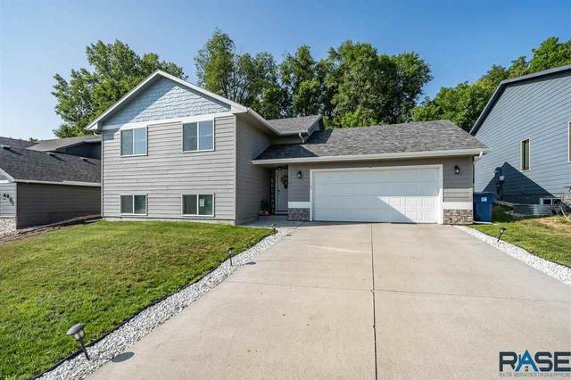 1729 E Tracy Ln, Sioux Falls, SD 57104 (MLS #22104087) :: Tyler Goff Group