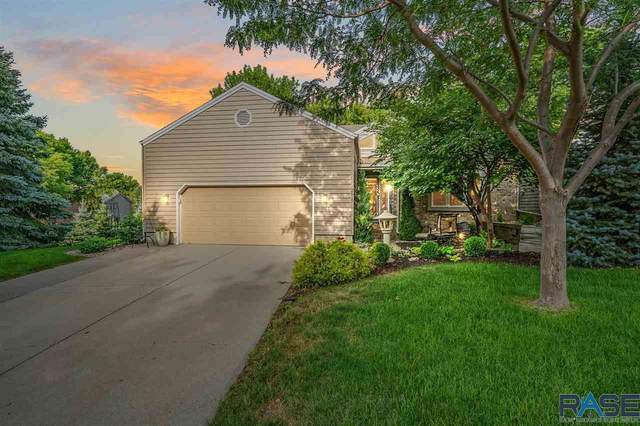 2615 S Ridgeview Way, Sioux Falls, SD 57105 (MLS #22104182) :: Tyler Goff Group