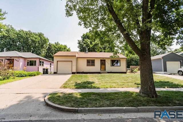 924 S Edward Dr, Sioux Falls, SD 57103 (MLS #22104207) :: Tyler Goff Group