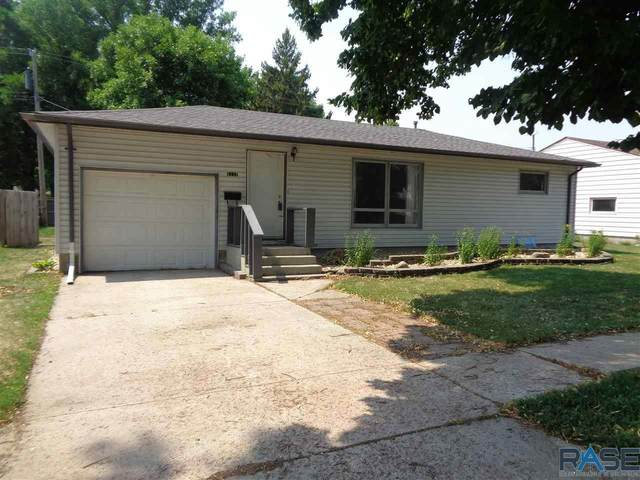 1117 N Harrison Ave, Dell Rapids, SD 57022 (MLS #22104401) :: Tyler Goff Group