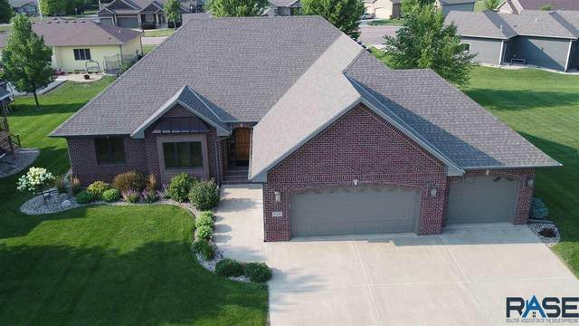 908 St Andrews Dr, Beresford, SD 57004 (MLS #22104418) :: Tyler Goff Group