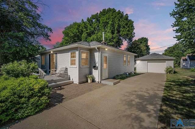 909 S Sneve Ave, Sioux Falls, SD 57103 (MLS #22104445) :: Tyler Goff Group