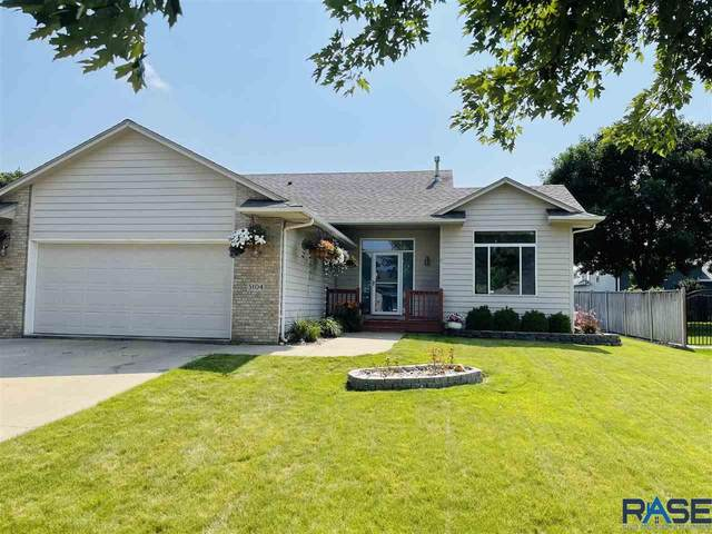 5104 S Birchwood Ave, Sioux Falls, SD 57110 (MLS #22104462) :: Tyler Goff Group
