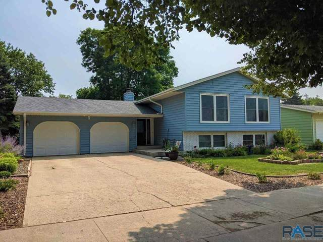 3104 S Jefferson Ave, Sioux Falls, SD 57105 (MLS #22104547) :: Tyler Goff Group