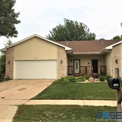 1500 S Campbell Trl, Sioux Falls, SD 57106 (MLS #22104879) :: Tyler Goff Group