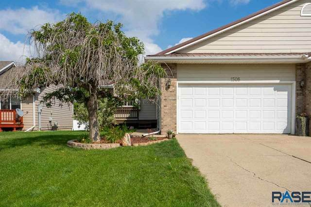 1508 S Campbell Trl, Sioux Falls, SD 57106 (MLS #22105234) :: Tyler Goff Group