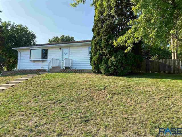 110 W 5th St, Dell Rapids, SD 57022 (MLS #22105237) :: Tyler Goff Group