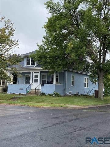 701 Wisconsin St, Mitchell, SD 57301 (MLS #22105761) :: Tyler Goff Group