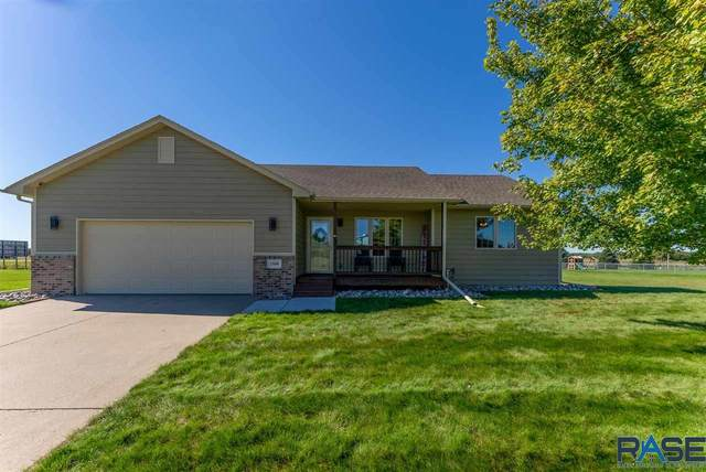 1506 Country Club Dr, Elk Point, SD 57025 (MLS #22105783) :: Tyler Goff Group