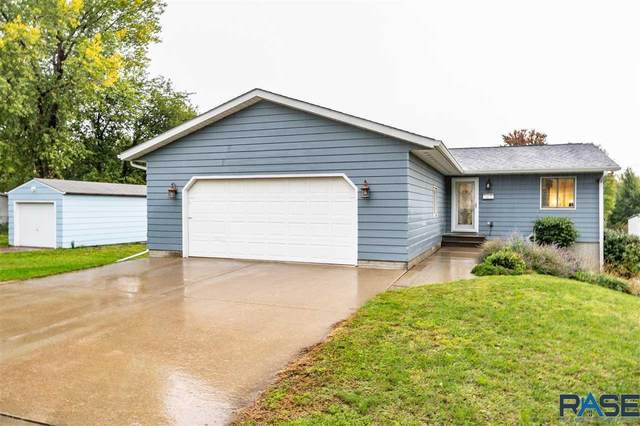 716 N Highland Ave, Sioux Falls, SD 57103 (MLS #22105964) :: Tyler Goff Group
