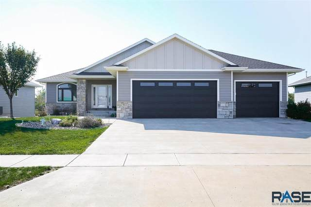 917 S 5th Ave, Brandon, SD 57005 (MLS #22106039) :: Tyler Goff Group