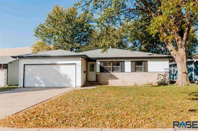 2809 S Center Ave, Sioux Falls, SD 57105 (MLS #22106174) :: Tyler Goff Group