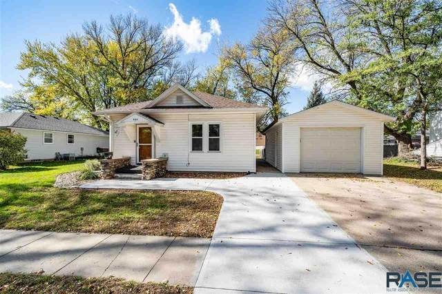 809 N Vermont Ave, Dell Rapids, SD 57022 (MLS #22106212) :: Tyler Goff Group