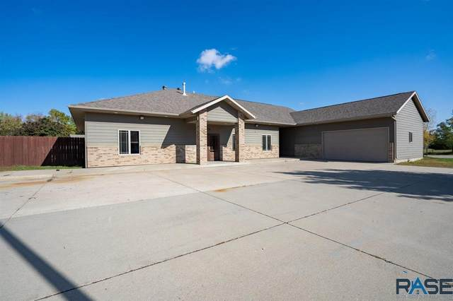 704 S 8th Ave, Brandon, SD 57005 (MLS #22106220) :: Tyler Goff Group