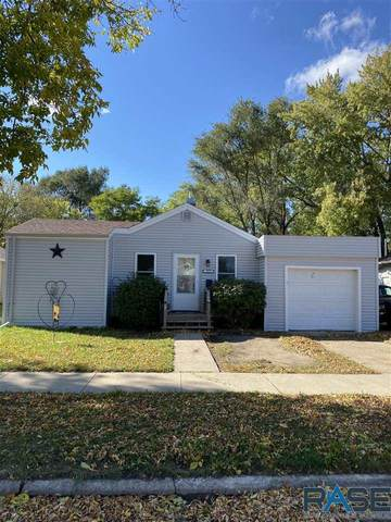 915 N Rowley St, Mitchell, SD 57301 (MLS #22106238) :: Tyler Goff Group