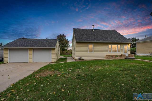 710 N Highland Ave, Sioux Falls, SD 57103 (MLS #22106250) :: Tyler Goff Group