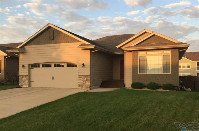 2425 S Lancaster Dr, Sioux Falls, SD 57106 (MLS #21706059) :: Tyler Goff Group