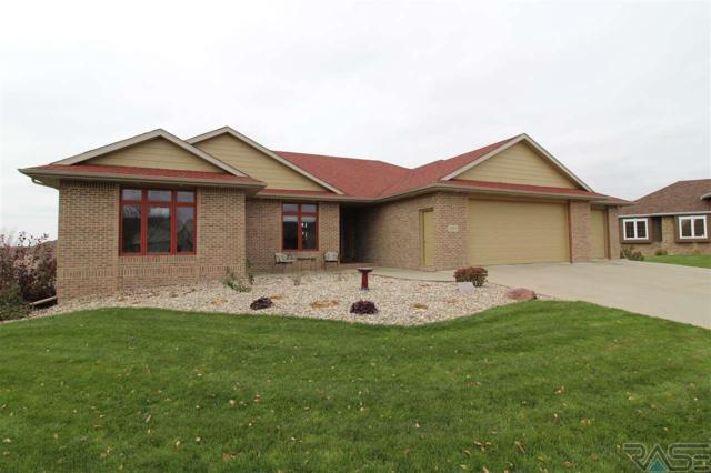 2204 E Byrum Cir, Brandon, SD 57005 (MLS #21706933) :: Tyler Goff Group