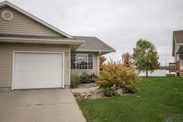 3417 S Goldenrod Ln, Sioux Falls, SD 57110 (MLS #21806583) :: Tyler Goff Group