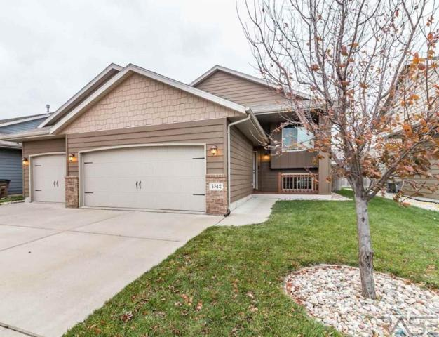 4512 S Wassom Ave, Sioux Falls, SD 57106 (MLS #21806903) :: Tyler Goff Group