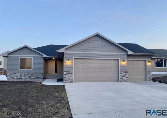 4905 E 53rd St, Sioux Falls, SD 57110 (MLS #22000168) :: Tyler Goff Group