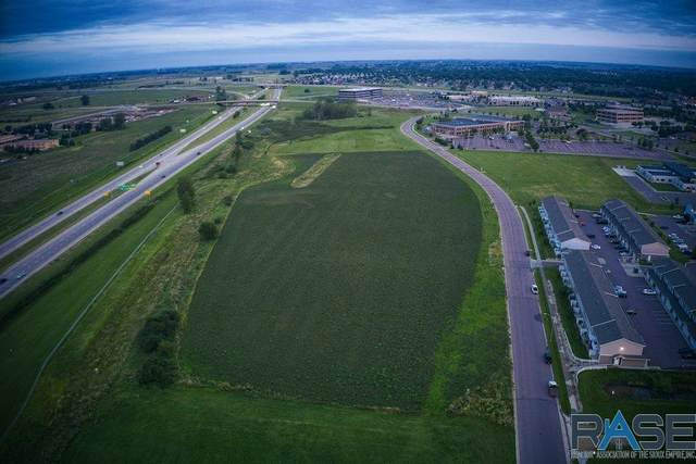 4401 W 59th St, Sioux Falls, SD 57106 (MLS #22003486) :: Tyler Goff Group