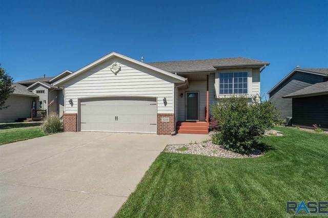 4705 S Grinnell Ave, Sioux Falls, SD 57106 (MLS #22004744) :: Tyler Goff Group
