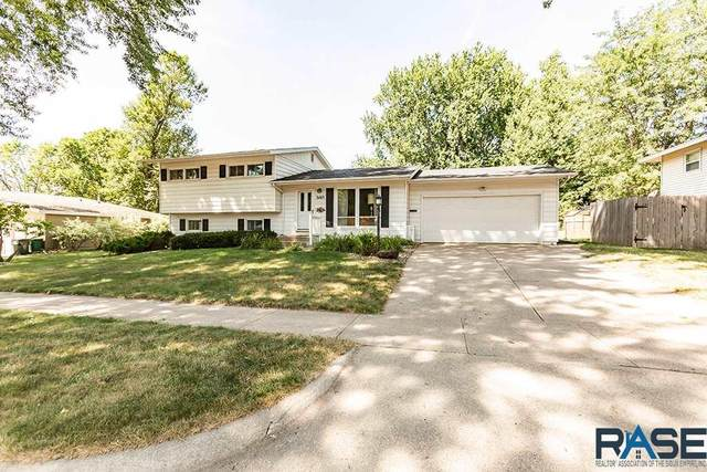 3105 S 7th Ave, Sioux Falls, SD 57105 (MLS #22004927) :: Tyler Goff Group