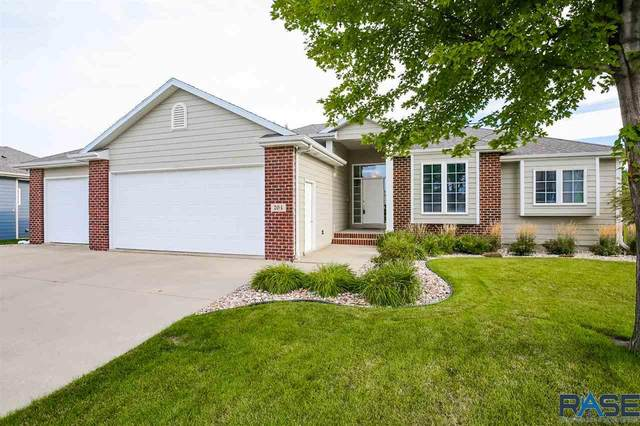 704 W Quail Creek Cir, Sioux Falls, SD 57108 (MLS #22005157) :: Tyler Goff Group