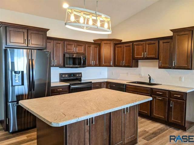 5605 S Westwind Ave, Sioux Falls, SD 57108 (MLS #22005160) :: Tyler Goff Group