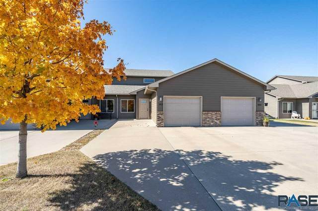 3011 S Purdue Ave, Sioux Falls, SD 57106 (MLS #22006357) :: Tyler Goff Group