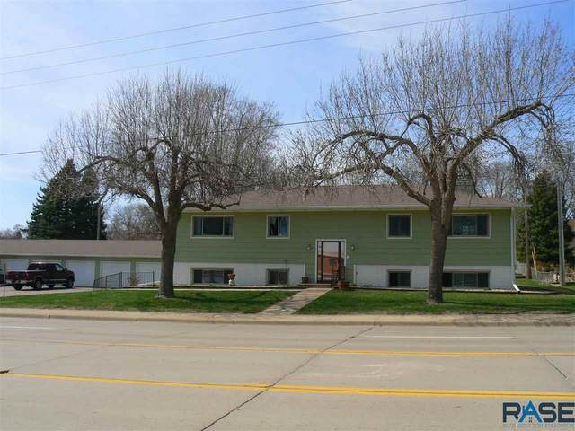 3005 So. Cliff Ave, Sioux Falls, SD 57105 (MLS #22101656) :: Tyler Goff Group