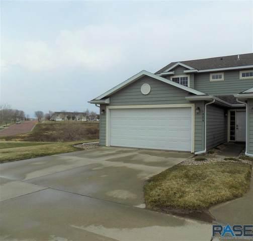 1323 N Fir Pl, Sioux Falls, SD 57107 (MLS #22101664) :: Tyler Goff Group