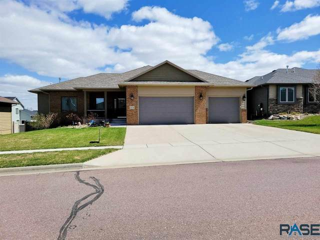 1108 S Monticello Ave, Sioux Falls, SD 57106 (MLS #22101687) :: Tyler Goff Group