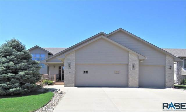 4205 S Cathedral Ave, Sioux Falls, SD 57103 (MLS #22101837) :: Tyler Goff Group