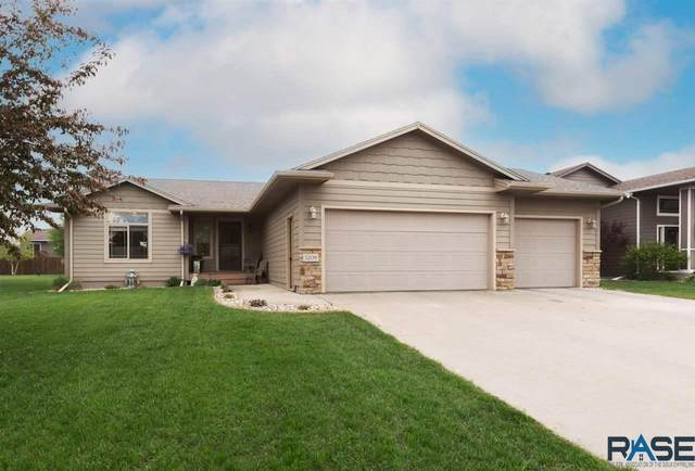 3208 S Triple Play Ave, Sioux Falls, SD 57110 (MLS #22102850) :: Tyler Goff Group