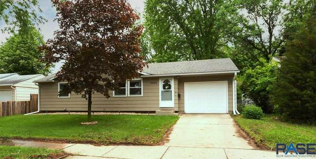 3920 E 24th St, Sioux Falls, SD 57103 (MLS #22102952) :: Tyler Goff Group