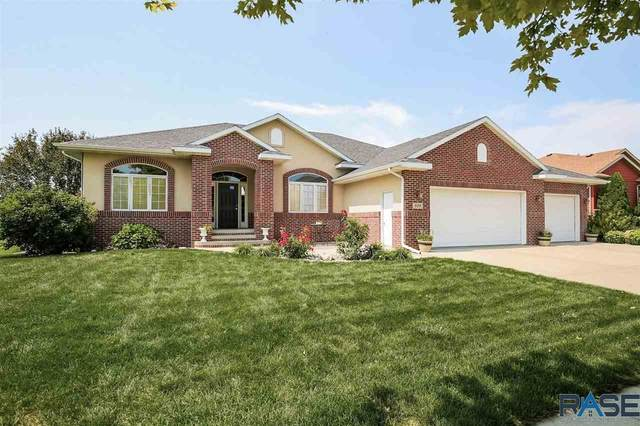 809 Eagle Run, Dell Rapids, SD 57022 (MLS #22104927) :: Tyler Goff Group
