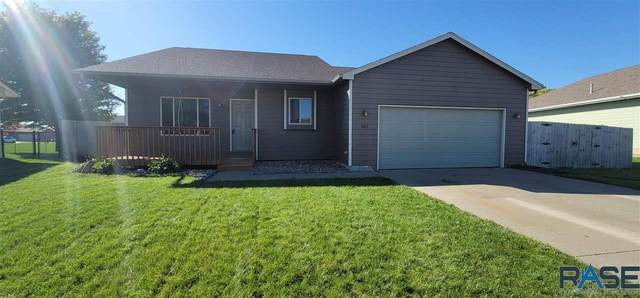 807 Perry Ln, Harrisburg, SD 57032 (MLS #22106017) :: Tyler Goff Group