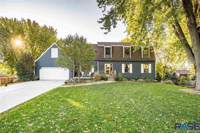 2804 S Jonathan Ln, Sioux Falls, SD 57103 (MLS #22106246) :: Tyler Goff Group