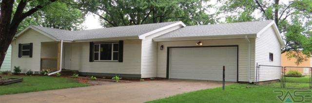 1120 E Cedar St, Brandon, SD 57005 (MLS #21806034) :: Tyler Goff Group