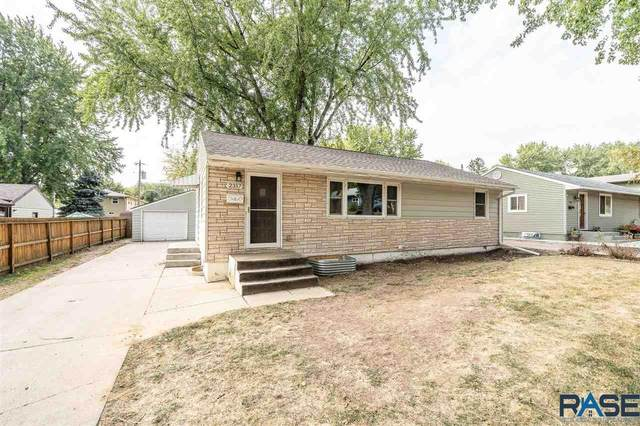 2317 S Western Ave, Sioux Falls, SD 57105 (MLS #22006152) :: Tyler Goff Group