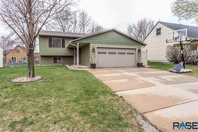2709 S Bernhaven Ave, Sioux Falls, SD 57110 (MLS #22101908) :: Tyler Goff Group