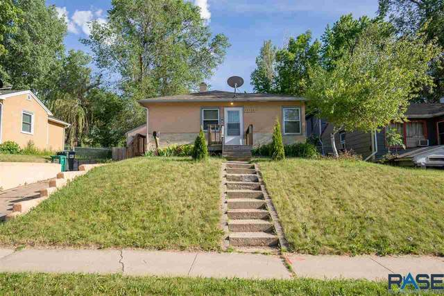2125 W 15th St, Sioux Falls, SD 57104 (MLS #22103106) :: Tyler Goff Group