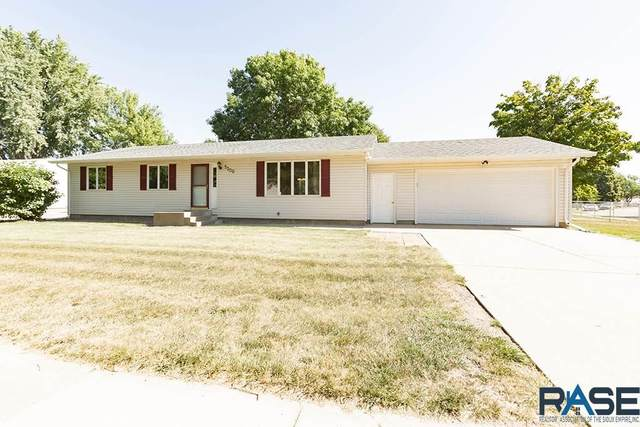 5500 W 45th St, Sioux Falls, SD 57106 (MLS #22005289) :: Tyler Goff Group