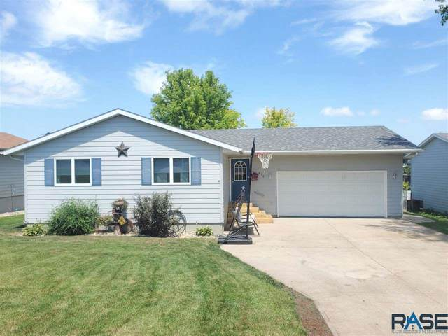 612 W 3rd St, Dell Rapids, SD 57022 (MLS #22004402) :: Tyler Goff Group