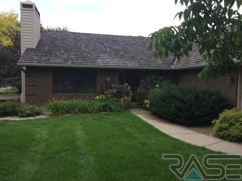 501 W Sweetbriar Pl, Sioux Falls, SD 57108 (MLS #21706797) :: Tyler Goff Group