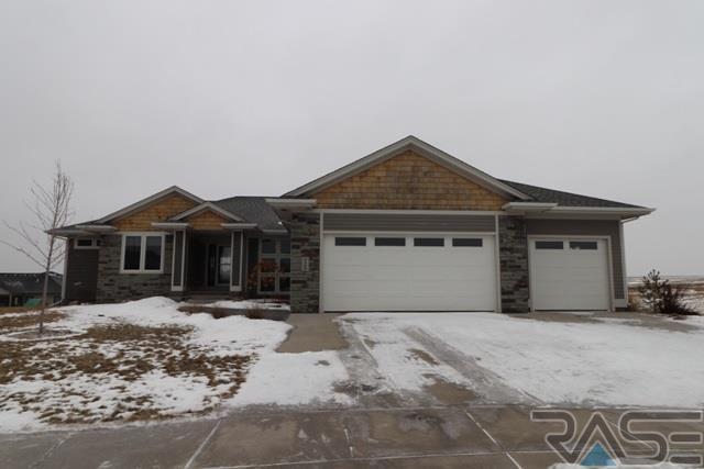 2508 S Durango Cir, Sioux Falls, SD 57110 (MLS #21800915) :: Tyler Goff Group